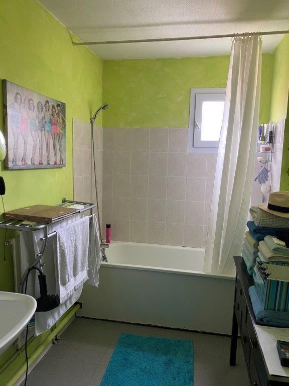 Avant / Transformation baignoire en douche à l'italienne