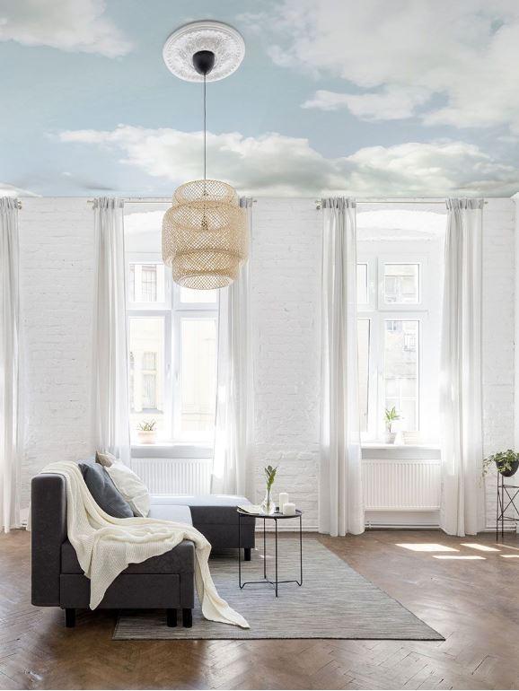 Papier peint cumulus au plafond