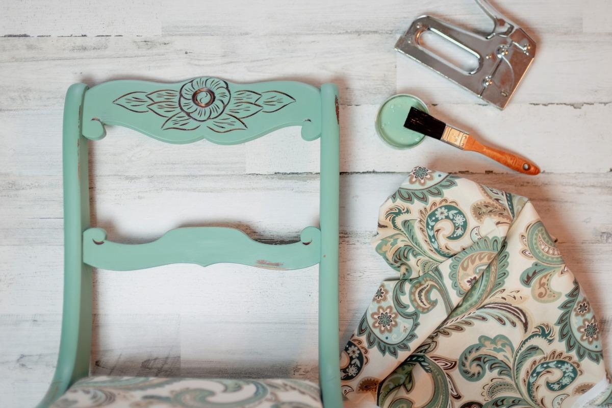 Restaurer ses vieux meubles pour les réutiliser